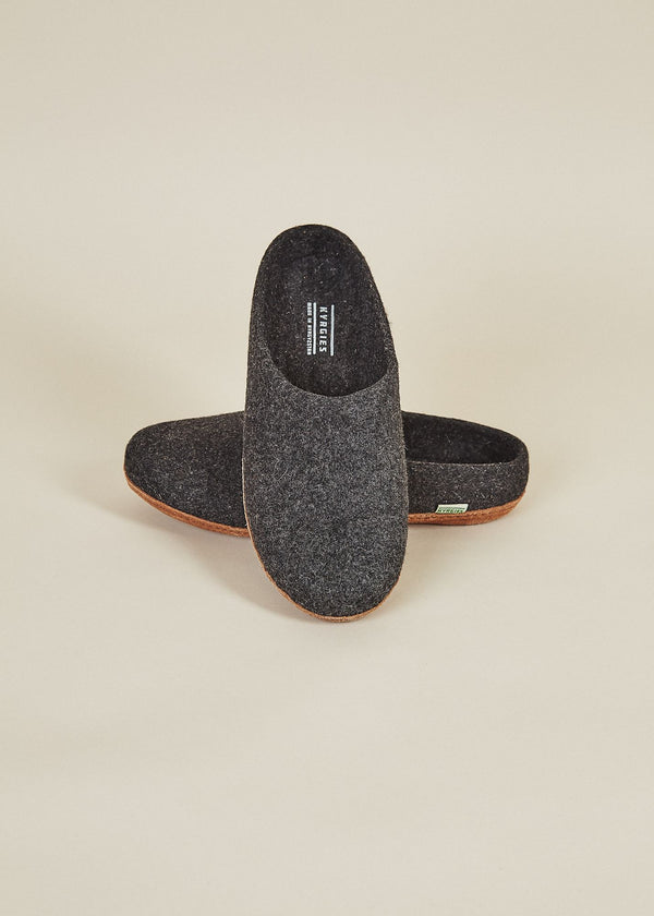 Men's All Natural Molded Sole Low Back Slippers - Charcoal Natural Soles Kyrgies