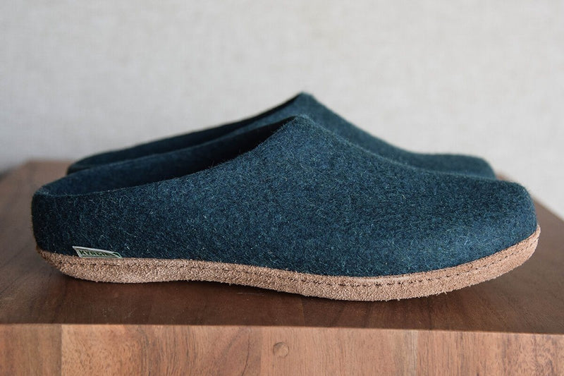 Men's Kyrgies All Natural Molded Sole Slippers and Low Back in Heathered Navy Natural Soles Kyrgies