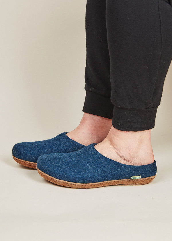 Men's Slippers with Molded Sole and Low Back - Heathered Navy Men's Shoes Kyrgies