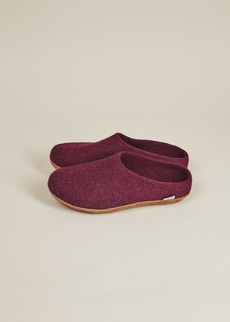 Men's Slippers with Molded Sole and Low Back - Plum Men's Shoes Kyrgies