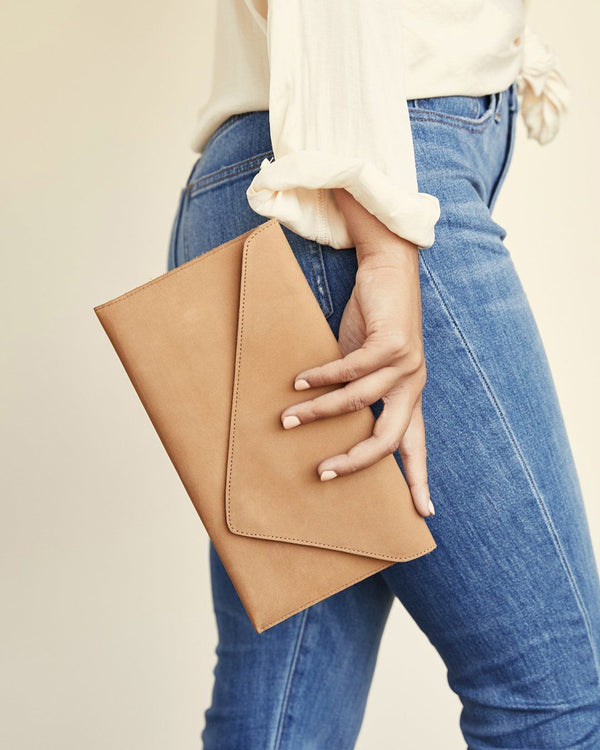 Nisolo Luisa Clutch Sand Leather Clutch Nisolo