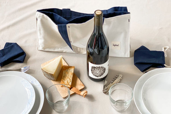 Petit Bois Pocket Cheese Board Wine Tote Aplat