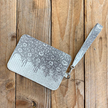 Silver Shimmer | Ring Lizard Zipper Pouch with Wristlet