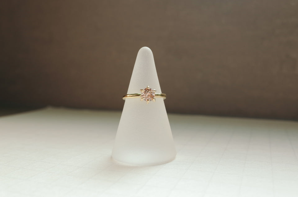 Dotted Crown Solitaire
