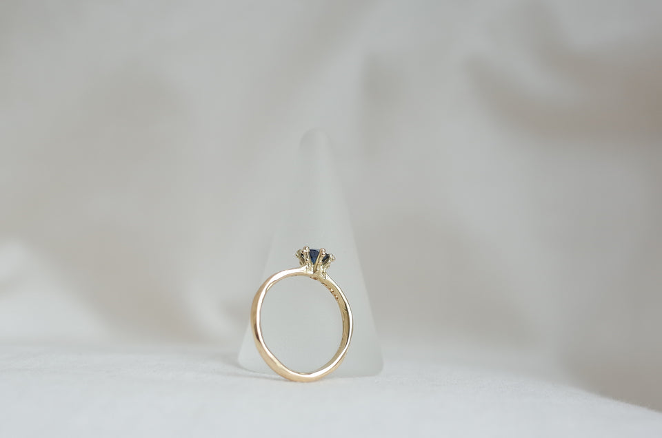 Dotted Crown Ring