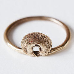 Husk Ring in Bronze