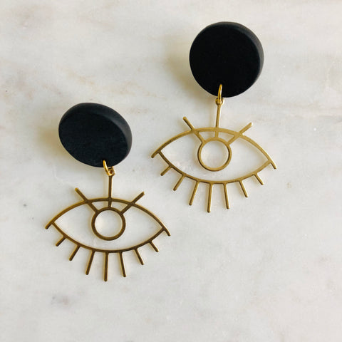 Iris // Black Clay + Brass Eye