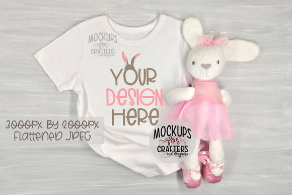 Child's T-Shirt with bunny, MOCK-UP
