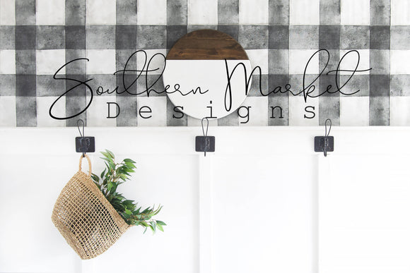 STAINED WHITE WOOD ROUND SIGN FARMHOUSE DIGITAL MOCK UP STOCK PHOTOGRAPHY