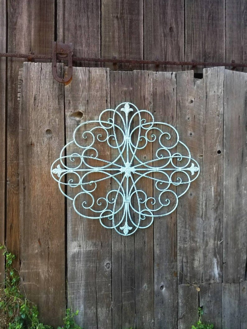 Ornate Fleur De Li Metal Scroll