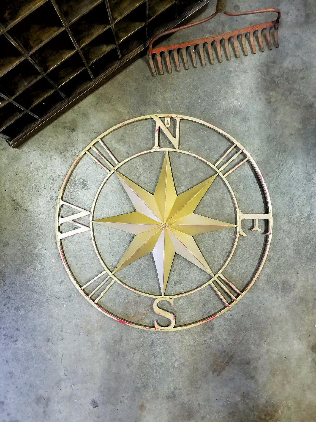 Small Star Metal Compass - 27 1/2