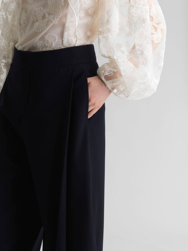 Stretch Wool Tulip Pant