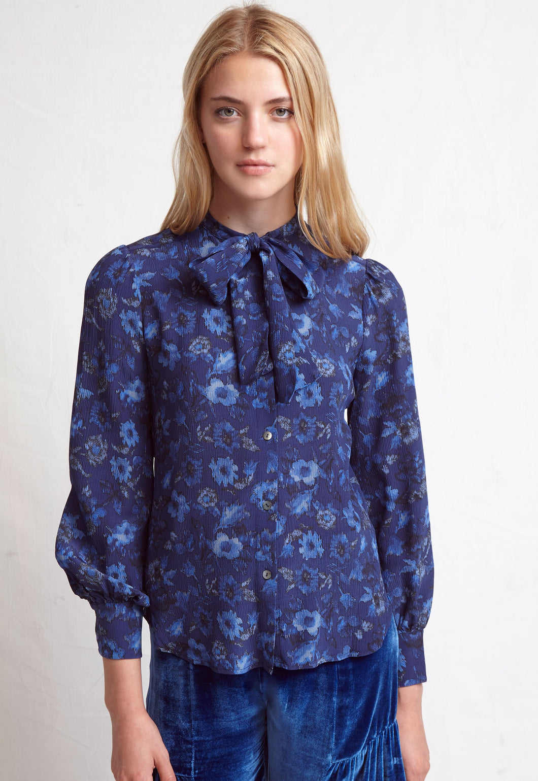 WARM - Wonderful Blouse