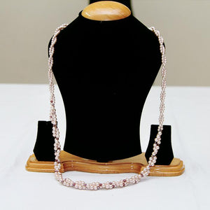 Traditional hanging pearls neckpiece