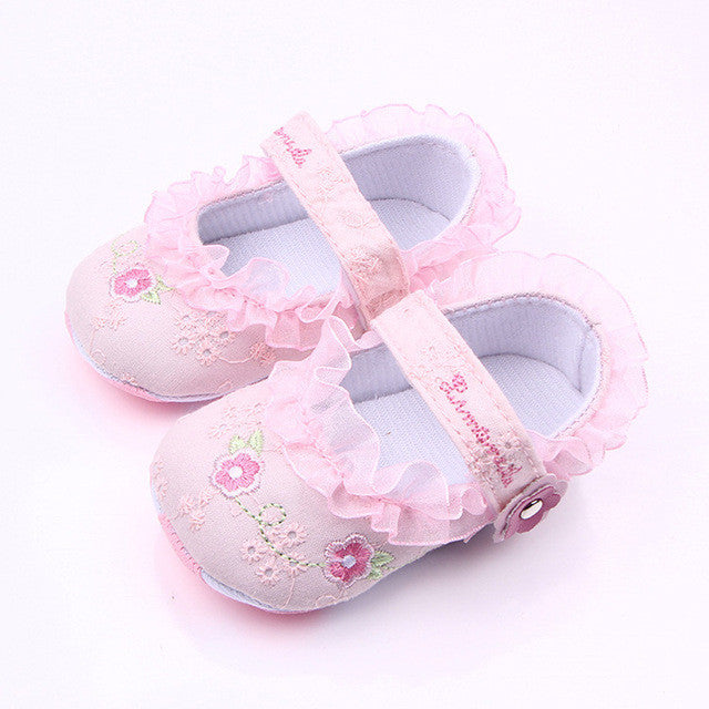Classic Baby Girl Flower Embroidery Shoes - kidsstoreefw
