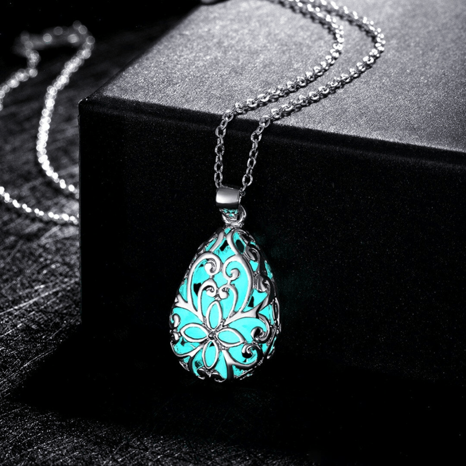 Glowing In The Dark Necklace With Drop Dried Flower Pendant - GiftWorldStyle - Luxury Jewelry and Accessories