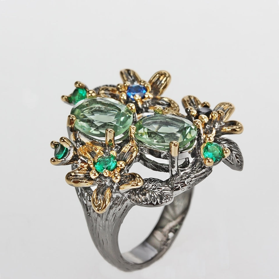 Stunning Vintage Flower Ring With Zircon