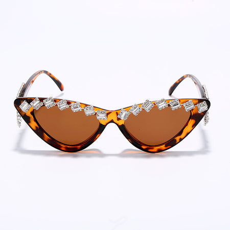 Vintage Sexy Red Tassel Diamond Women Sunglasses Fashion Black Cat Eye Rhinestone Glasses