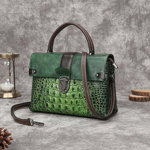 Women's Handbag In Retro Alligator Style With Clasp