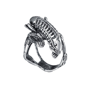 Gothic Biker Ring With Skull On Motor From Zinc Alloy - GiftWorldStyle - Luxury Jewelry and Accessories
