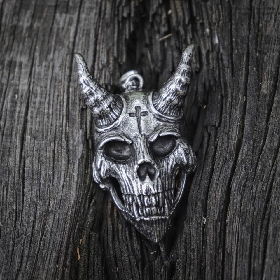 Gothic Devil Skull Cross - Stainless Steel - GiftWorldStyle - Luxury Jewelry and Accessories