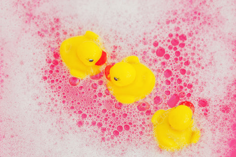 Bath-bombs-with-rubber-yellow-duck