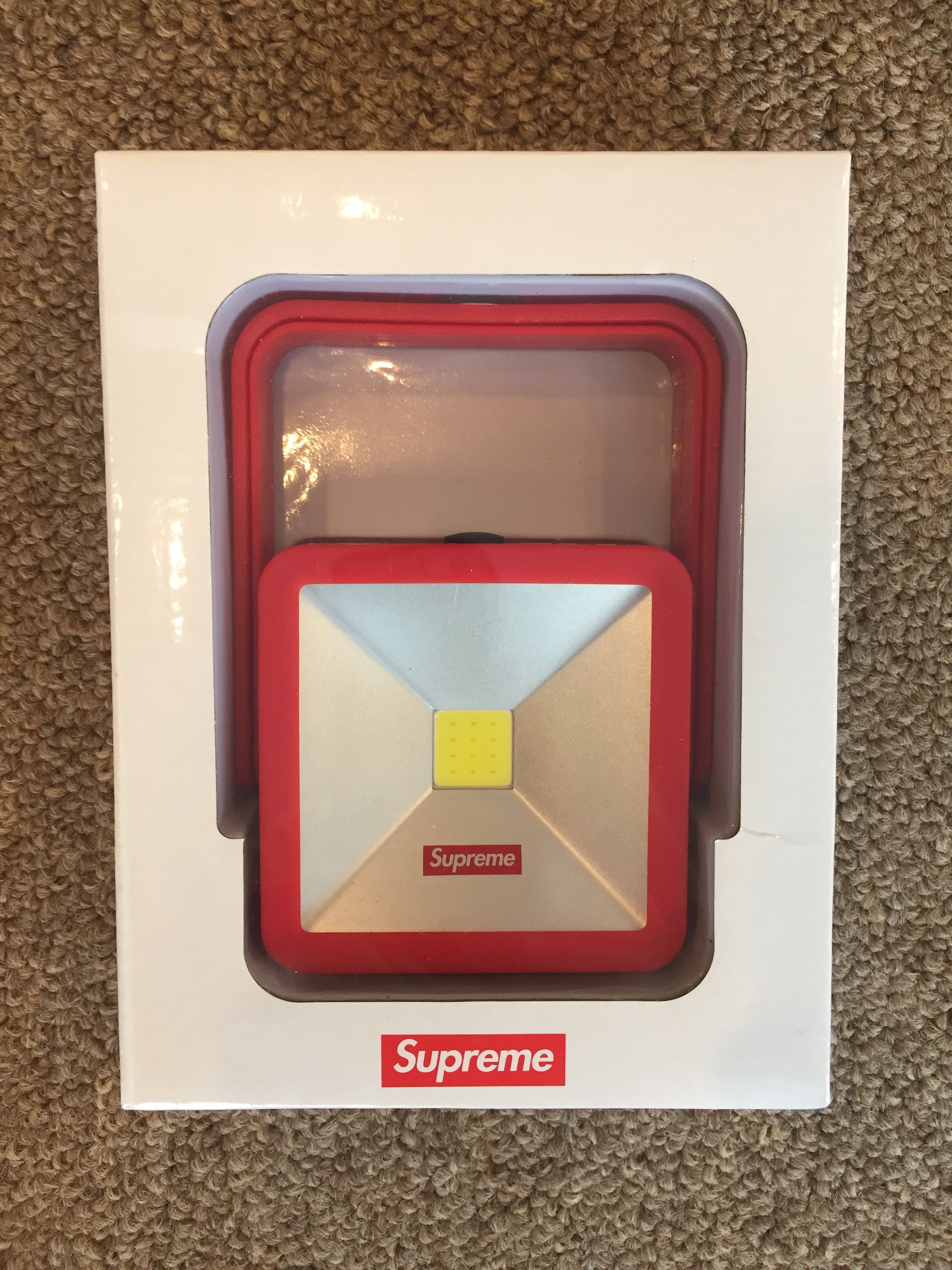 Supreme Magnetic Kickstand Light Red