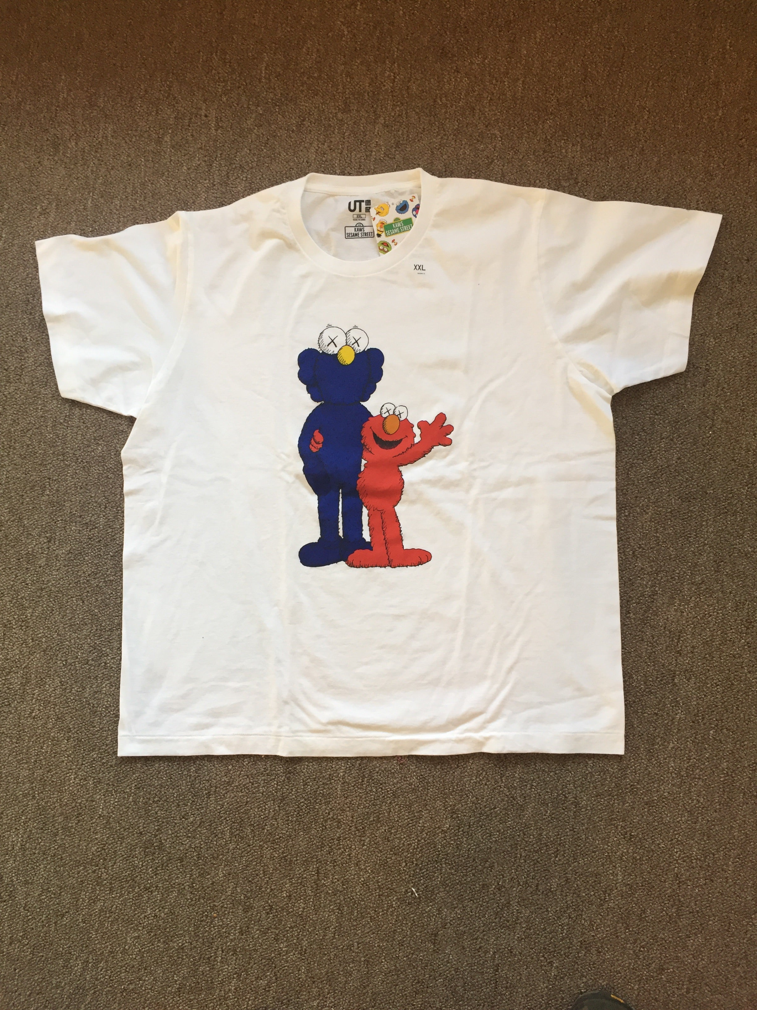 Kaws - White - Elmo and Ghost of Kaws - Size XXL