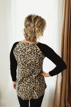 Load image into Gallery viewer, Long Sleeve Animal Print