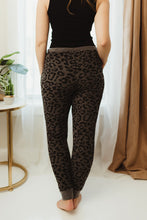 Load image into Gallery viewer, Leopard Drawstring Joggers