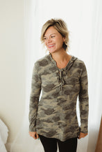 Load image into Gallery viewer, Camo Lace-up Hoodie