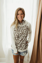 Load image into Gallery viewer, Leopard Color Block Hoodie