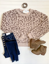Load image into Gallery viewer, Leopard Teddy Top