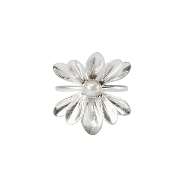Couture Sweet Daisies Pearl Ring in Silver