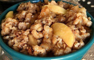 Apple Pie Oatmeal (Gluten-free)