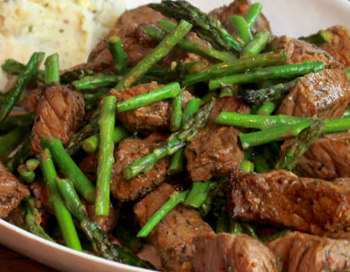 Steak Bites with Asparagus Spears & Cauliflower Mash
