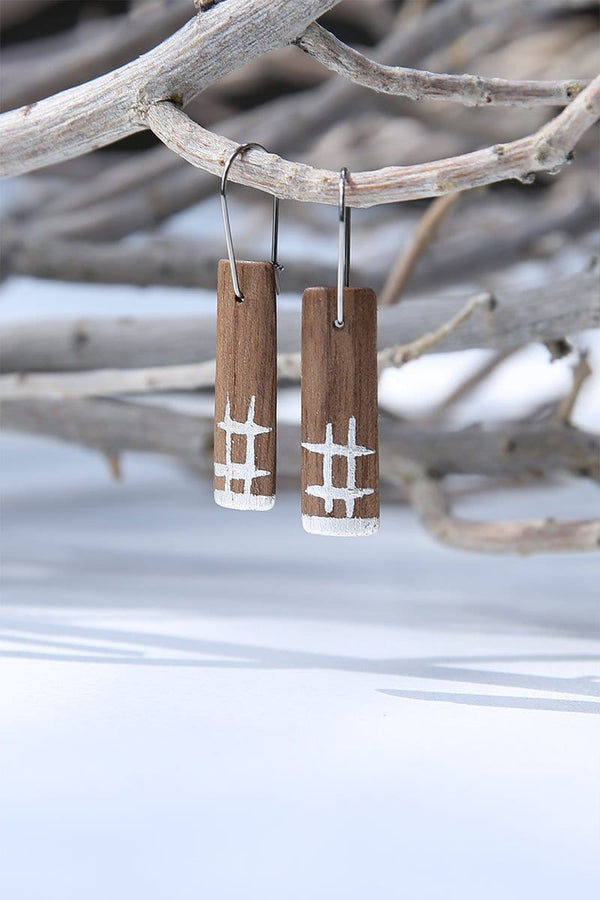 Walnut Wood And Pure Silver Crosshatch Bar-shaped Earrings