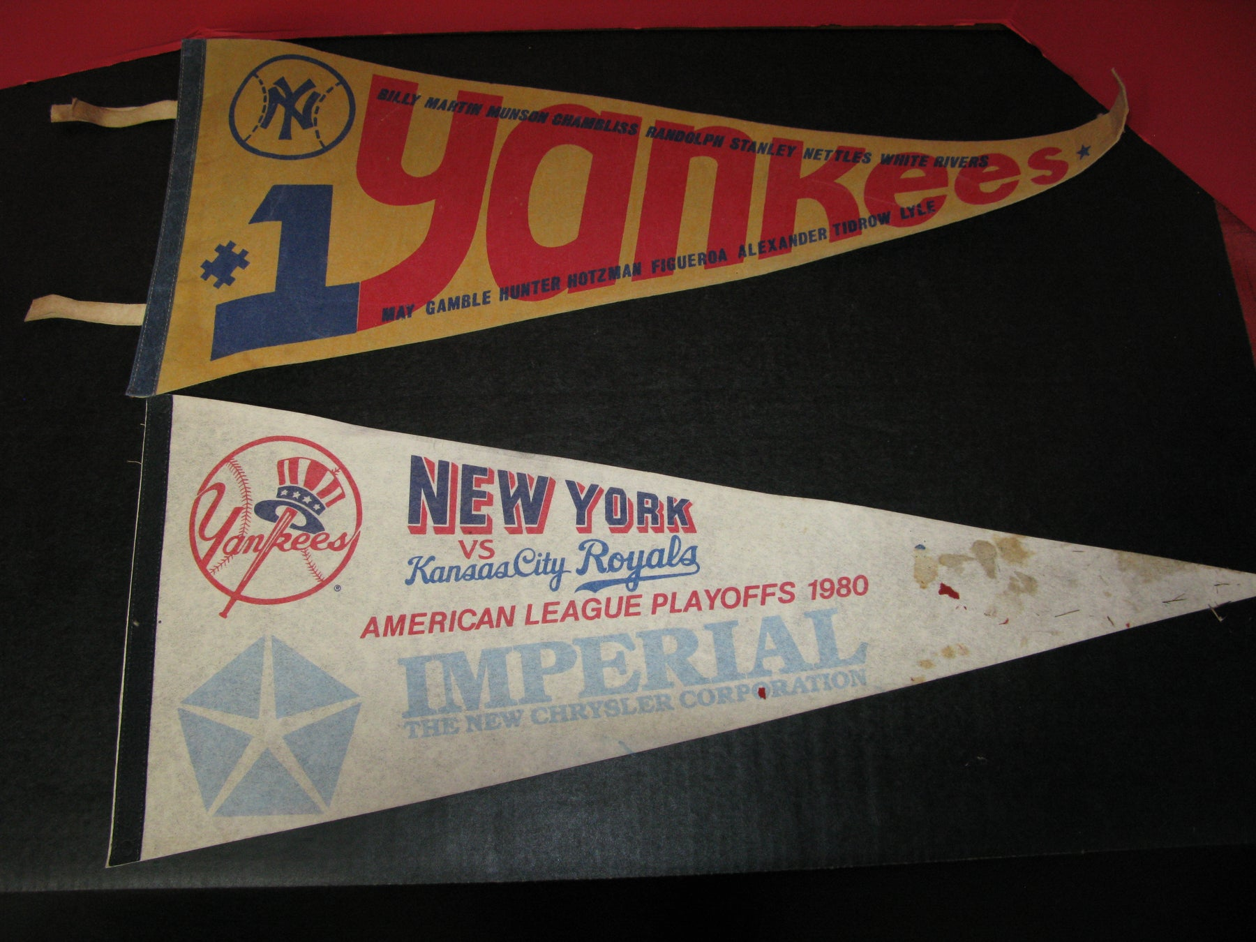 2 New York Yankees Flags