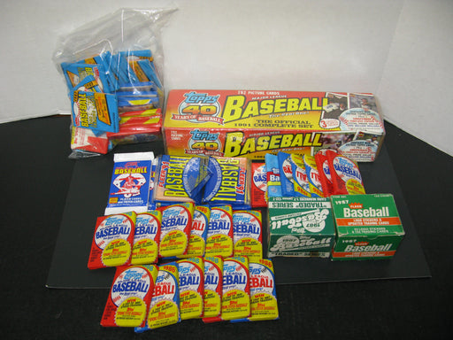 Huge Lot of Baseball Cards