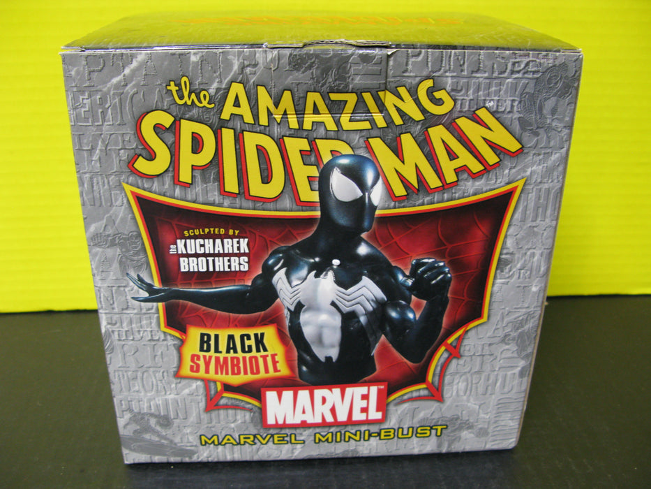The Amazing Spider-Man Classic Version Marvel Mini-Bust