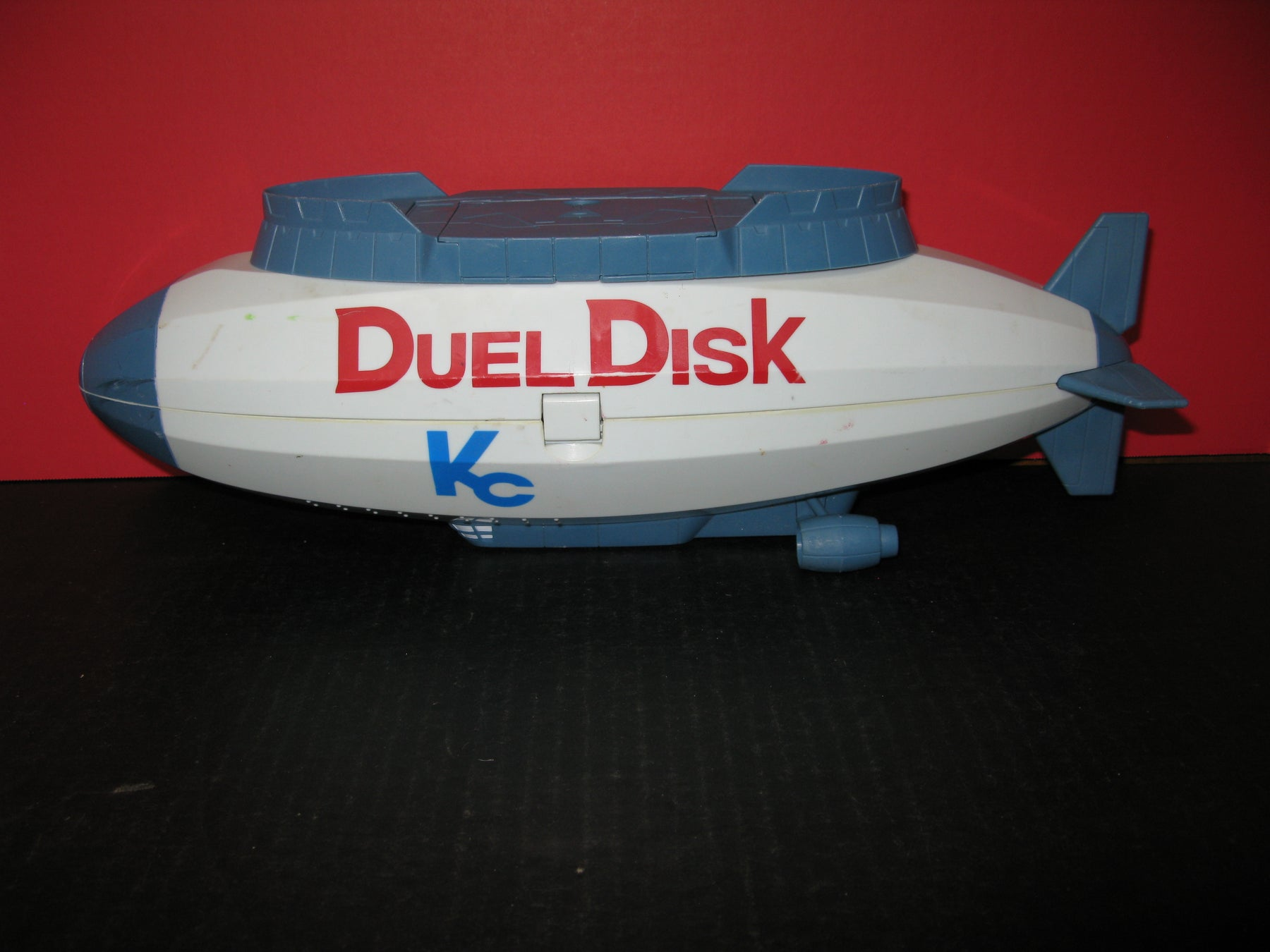 Vintage 1996 Yu-Gi-Oh Duel Disk Kaiba Starship Blimp Storage Carrying Case
