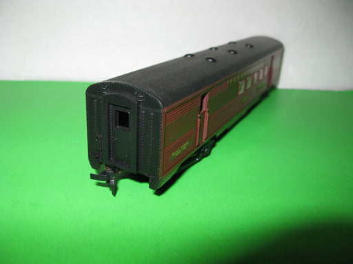 Athearn Trains in Miniature- (Brown)