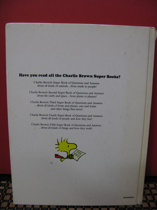 Charlie Brown's Super Book of Questions and Answers Book