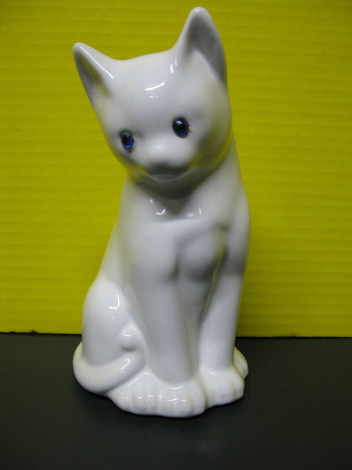 White Cat Decor