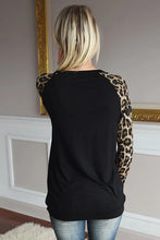 Load image into Gallery viewer, Round Neck Sequin Long Sleeve Top