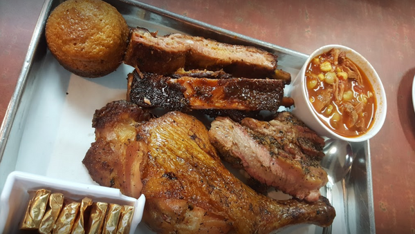 The Smoking Pig BBQ Company offers some of the best tasting meat you will ever eat in your life.  A true treasure of San Jose.