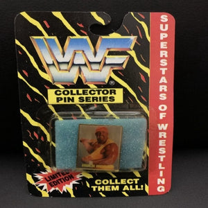Vintage WWF Hulk Hogan pin (bubble is dented/discolored)
