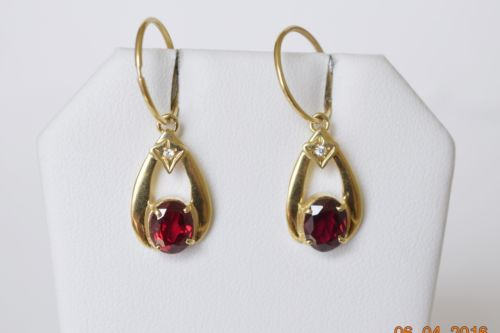 14K Yellow Gold Red Dangling Earrings - E77