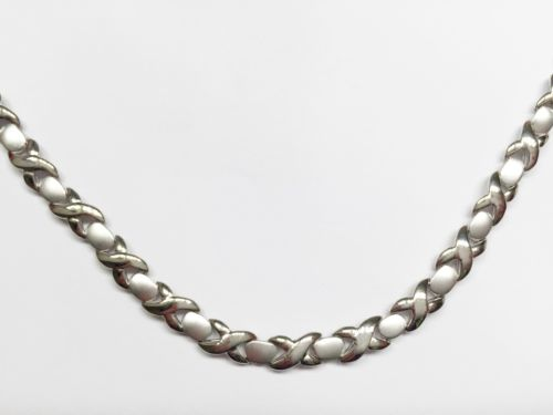 Beautiful 14K White Gold Necklace 15.5 inches - XOXO - C60