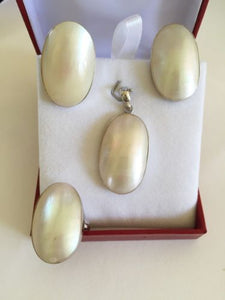 Matching 10k white Gold Pearl Shell ring, earrings,pendant-Beautiful jewelry set